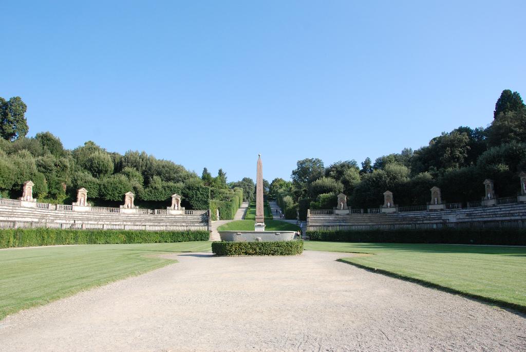 Image O Obelisco nos Jardins Boboli. Foto de interbeat
